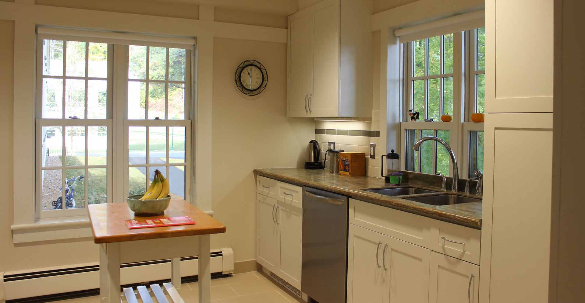 BUCK-DORM-STAFF-RESIDENCE-KITCHEN-DIAGONAL.jpg