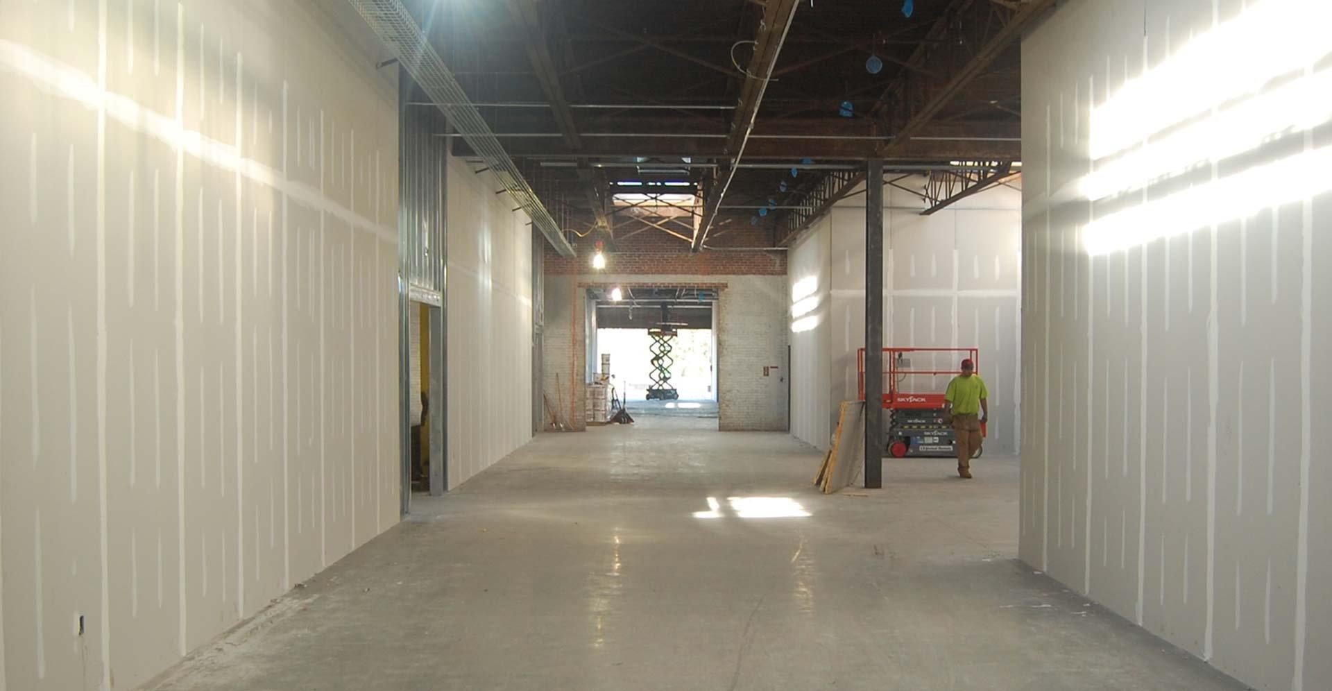 District-4c_hallway2_0075-sept.jpg