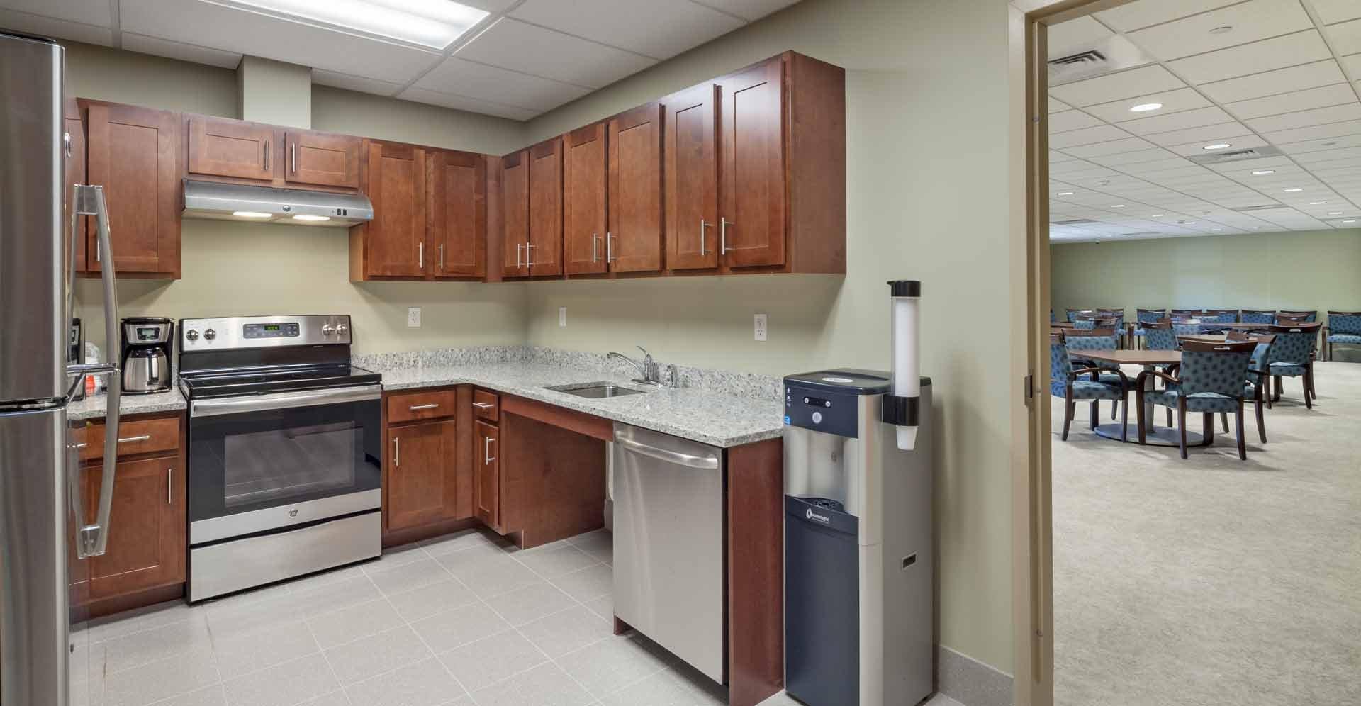05--992Summer05_kitchen_WEB.jpg