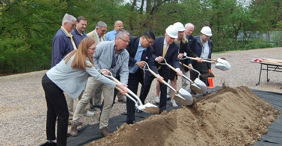 Holland-Hill-groundbreaking-ceremony